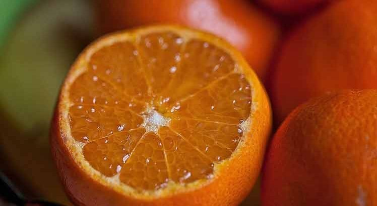 Sinaasappel-mosterdsaus